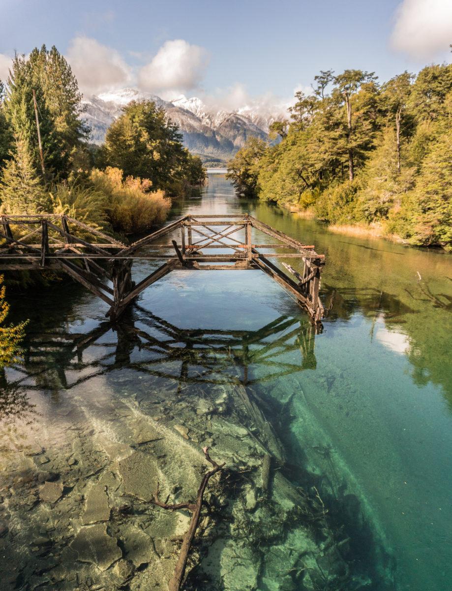 Lago Espelho Pequeno E Riacho Ruca Malen